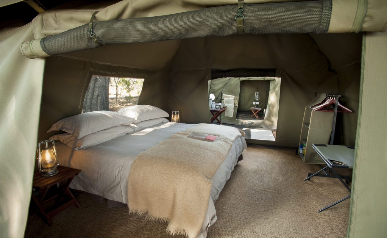 Expeditions_tent_233.jpg